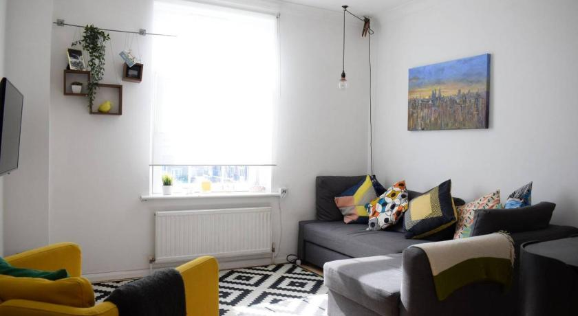 2 Bedrooms Apartment in Bethnal Green with City Views