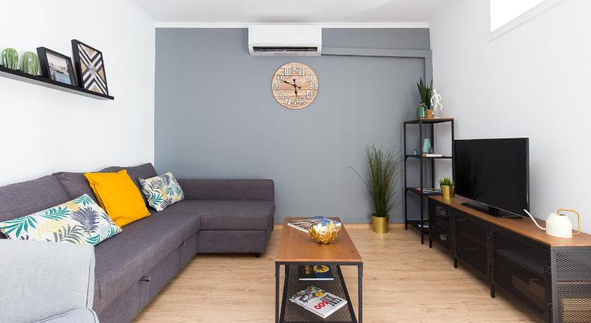 Lovely and Convenient Sagrada Familia Apartment - Barcelona