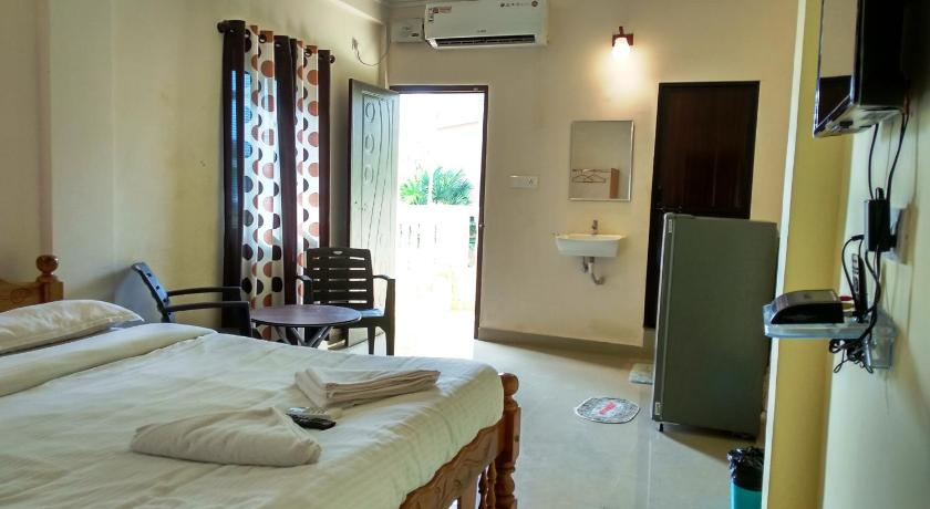 Candolim Beach Place Guesthouse Bed And