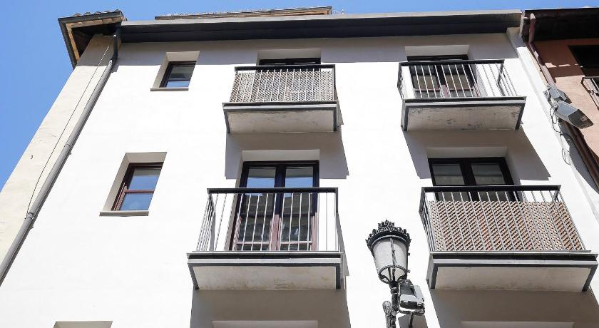 Best time to travel Granada Edificio Catedral