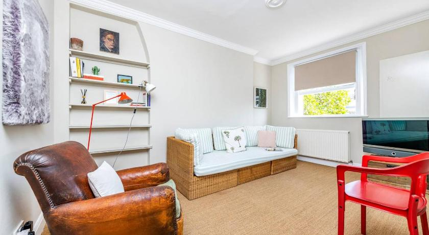 Best time to travel United Kingdom Charming 1BR Flat in Chelsea