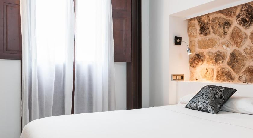 Best time to travel Alcúdia Can Vent Boutique Hotel