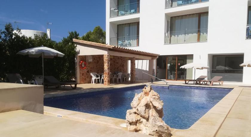 Best time to travel Spain Apartamentos Villa Primera