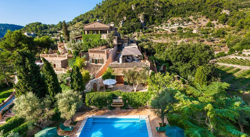 Best time to travel Majorca Hotel Valldemossa