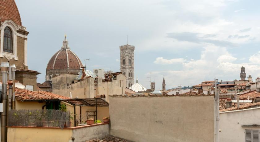 Best Price On Faenza 11 La Terrazza Medicea In Florence