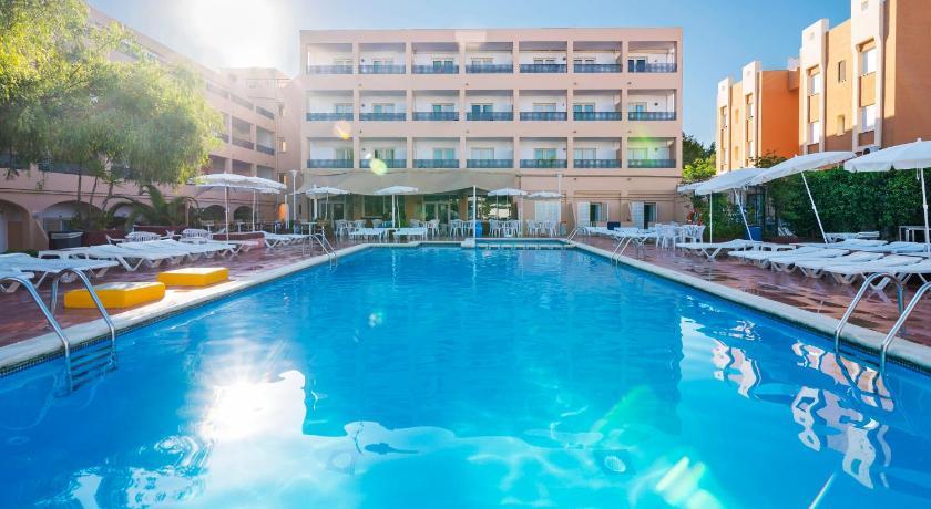 Best time to travel Spain Azuline Apartamentos Sunshine