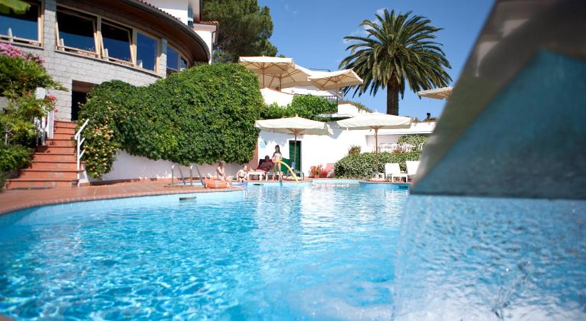 Best time to travel Elba Hotel Gallo Nero