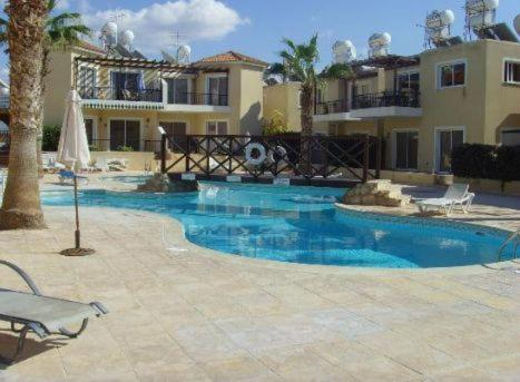 Best time to travel Cyprus Sirena Sunrise Prestige apartments