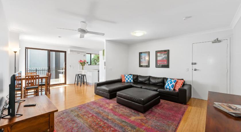 Spacious Comfy 2 Bed 2 Bath 1 Car Auchenflower Brisbane 2020