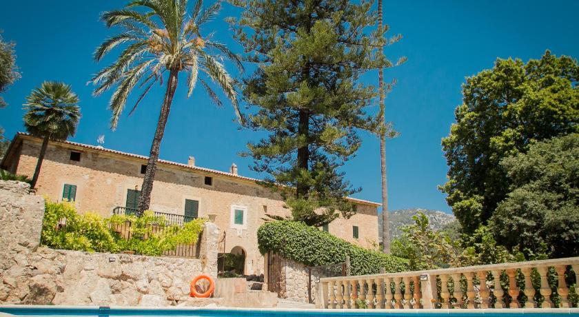Best time to travel Majorca Finca Son Brondo