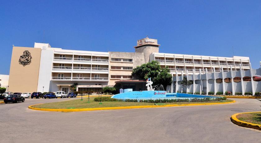 Best time to travel Cerro Hotel Cubanacan Comodoro
