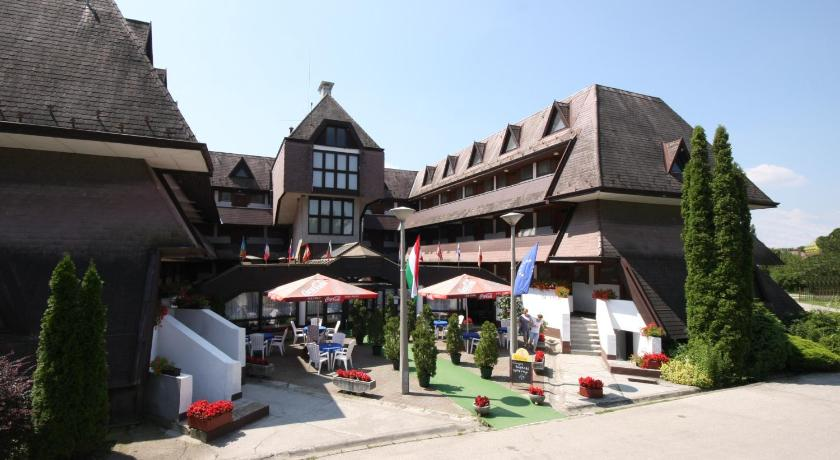 Best time to travel Újbuda Viking Hotel
