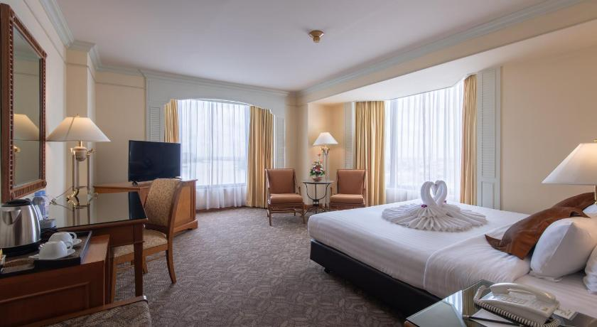 Best time to travel Phra Pradaeng District Montien Riverside Hotel