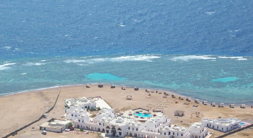 Best time to travel Egypt Daniela Diving Resort Dahab