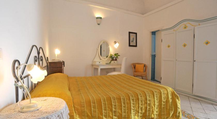 Hotel La Casa Sul Mare Procida Booking Deals Photos