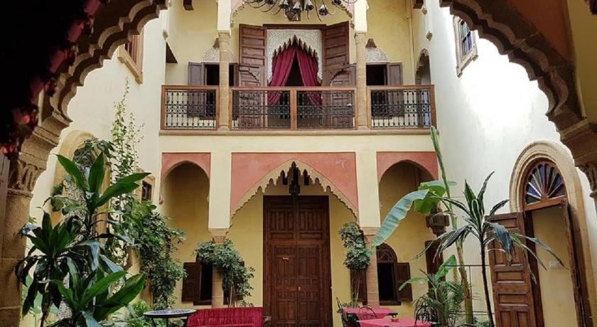 Best time to travel Morocco Riad Marlinea