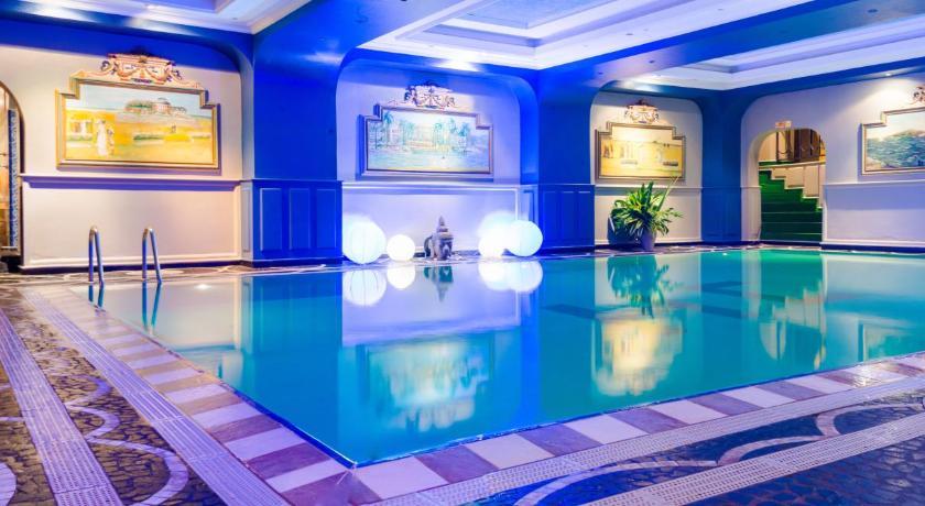 Best time to travel Antananarivo Hôtel Colbert - Spa & Casino