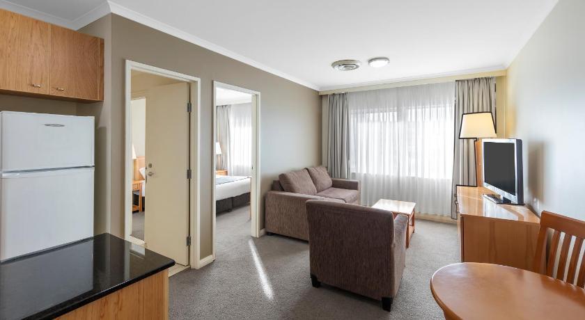 Nesuto Canberra (formerly Waldorf Canberra Apartment Hotel) 2 Akuna