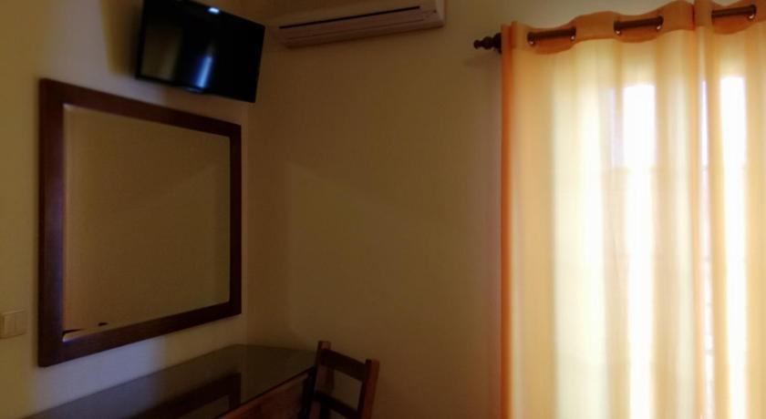 Triple Room with WiFi