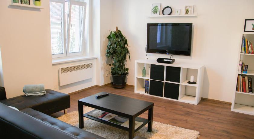 Best time to travel Kladno Sunny Airconditioned Apartment in the Centre