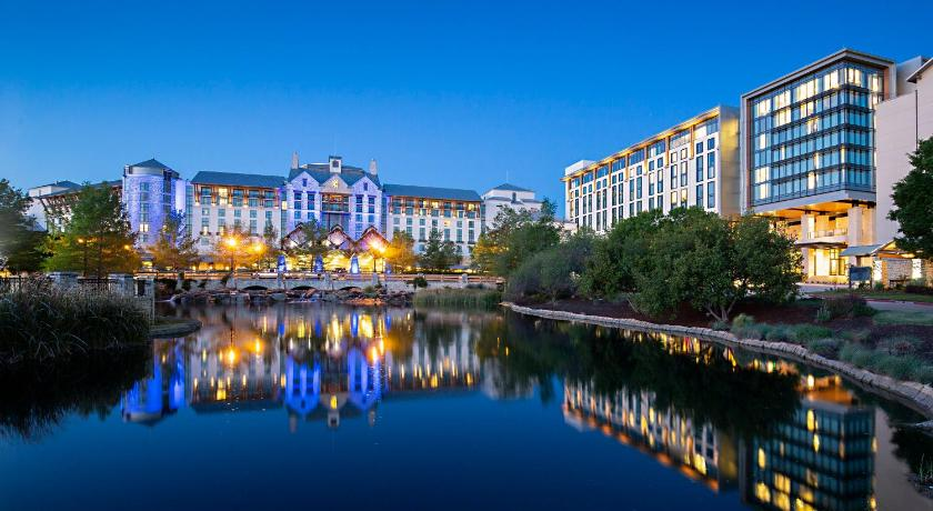 Best time to travel United States Gaylord Texan Resort and Convention Center