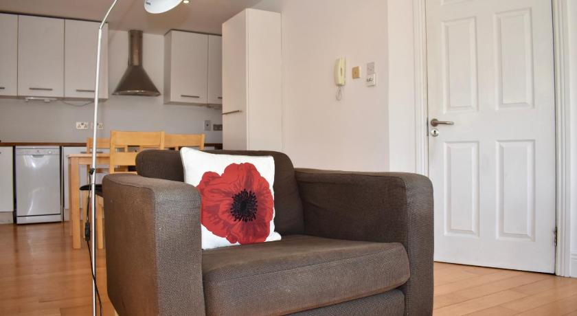 One-Bedroom Apartment Modern Bright 1 Bedroom Apartment in Central Dublin