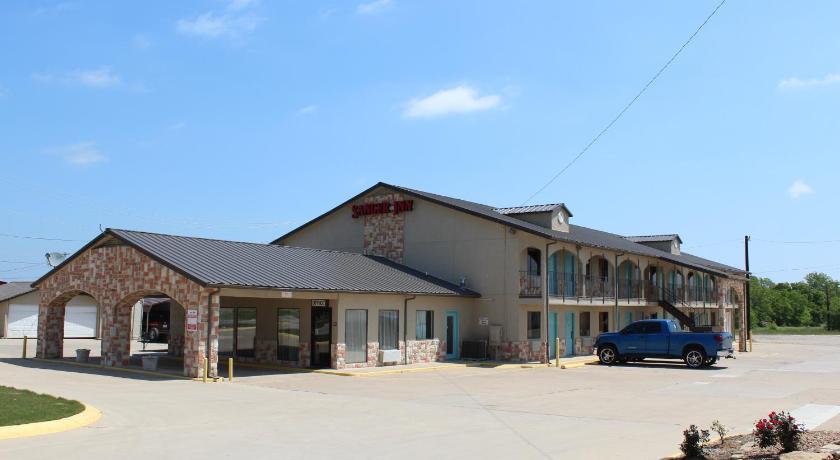 Best time to travel United States Sanger Inn