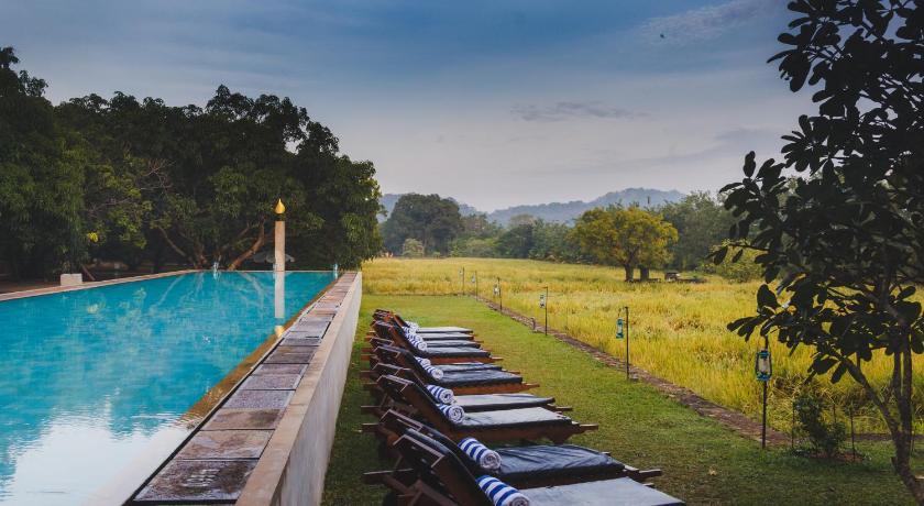 Best time to travel Dambulla Sigiriana Resort by Thilanka