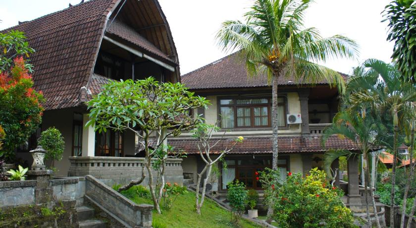 Best time to travel Indonesia Pande Permai Bungalows