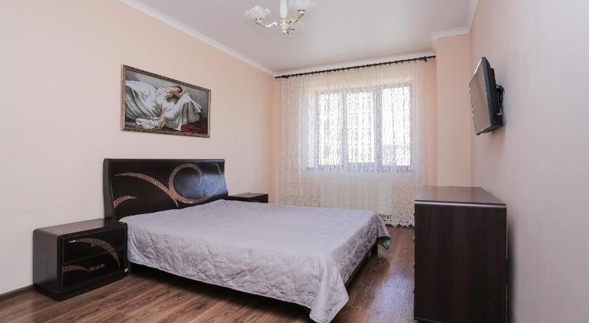 Apartment on Dzusova 6A