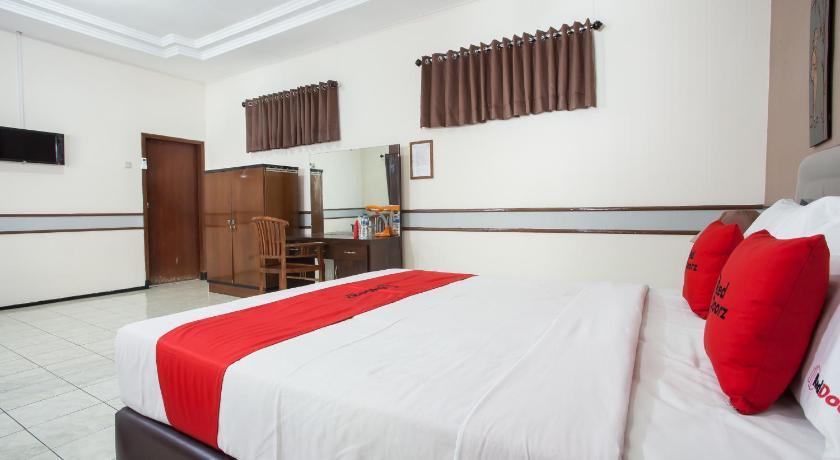 Reddoorz Near Balai Kota Malang Malang 2020 Updated Deals 422 Hd Photos Reviews