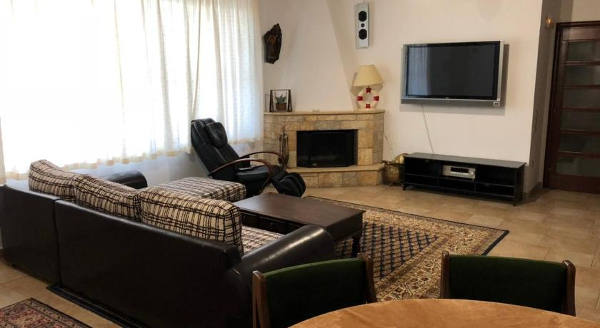 Best time to travel Agia Paraskevi Comfortable luxurious apartment near airport and beaches