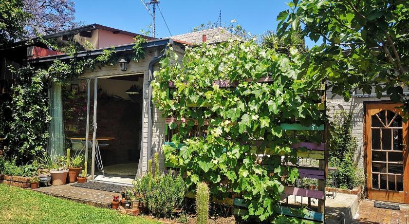 The Secret Garden Cottage Johannesburg Agoda Com