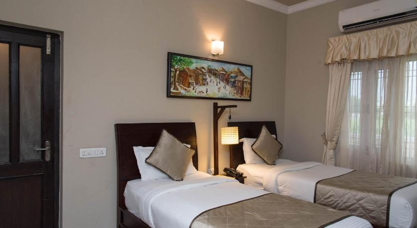OYO 18289 Home Luxury Stay Celebration Mall