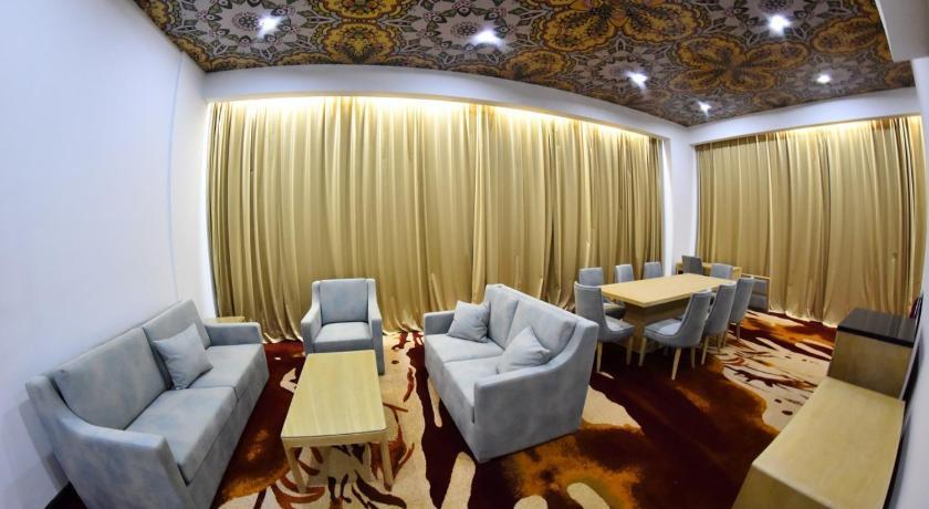 Best time to travel Najaf Melian Hotel