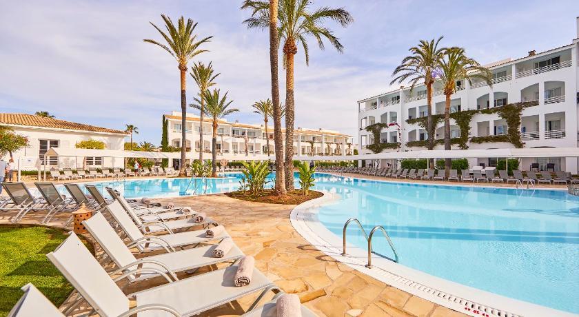 Best time to travel Menorca Prinsotel La Caleta