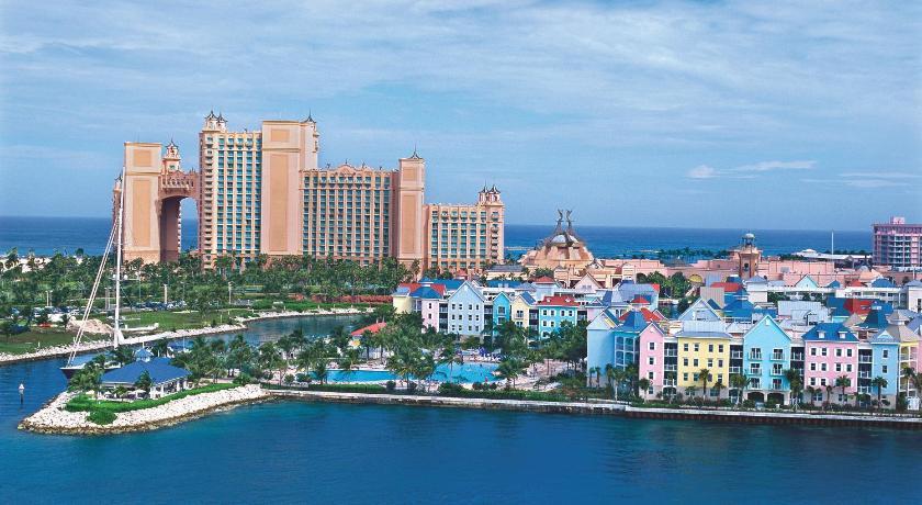Best time to travel The Bahamas Harborside Atlantis