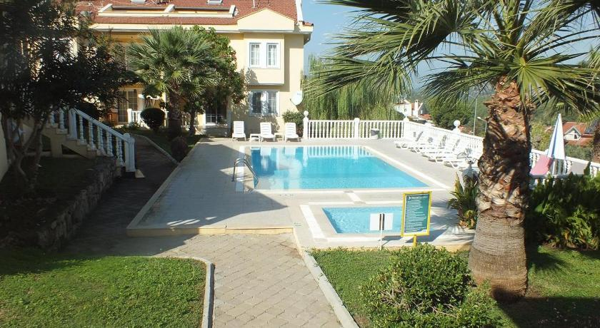 Nicholas Gate F 1 Villa(Shared pool)