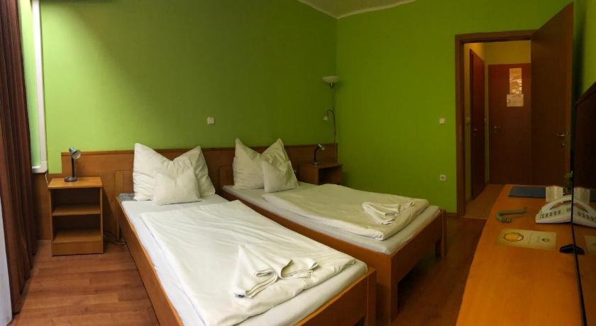 More about Liget Hotel