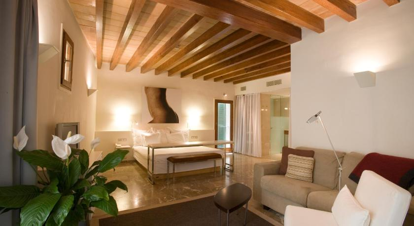 Best time to travel Palma de Mallorca Petit Palace Hotel Tres