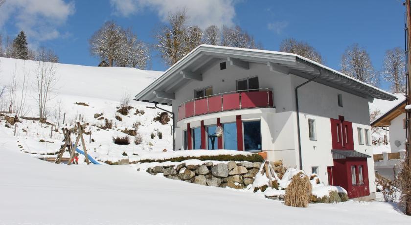 Best time to travel Austria Haus Lorenz