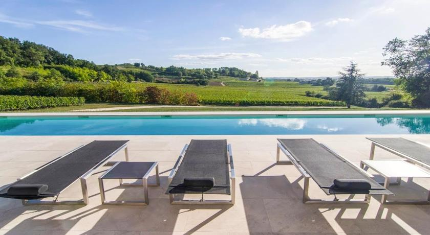 Sainte-Colombe-en-Bruilhois Villa Sleeps 8 Pool