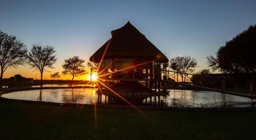 Best time to travel Namibia Lapa Lange Game Lodge