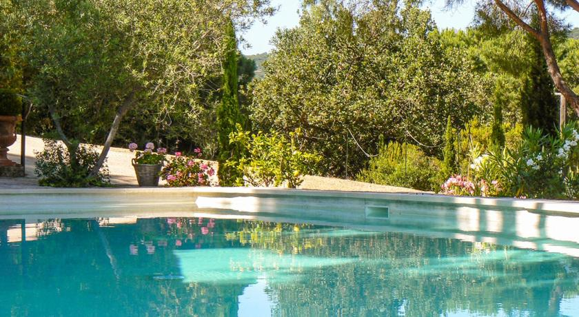 _saint-michel-lobservatoire villa sleeps 8 pool wifi