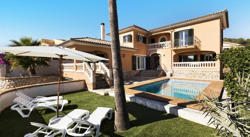 Best time to travel Spain Villa La Vileta