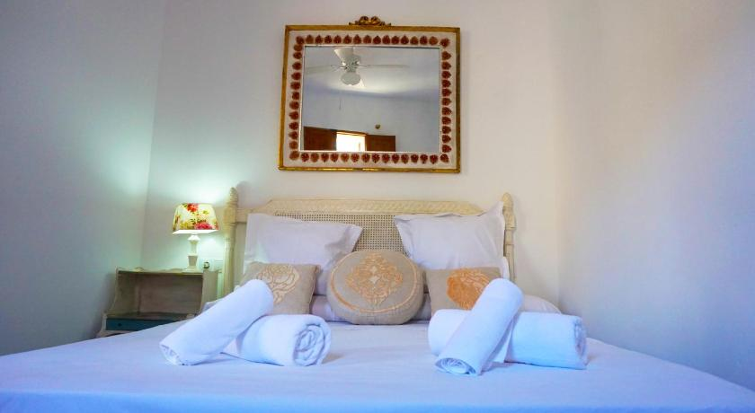 Best time to travel Spain Elcana