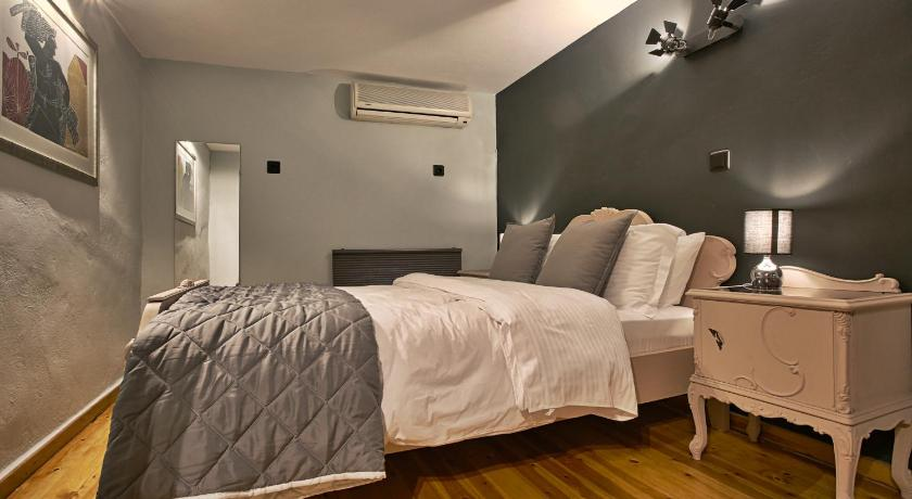 Best time to travel Athens G.P.C. Apartments