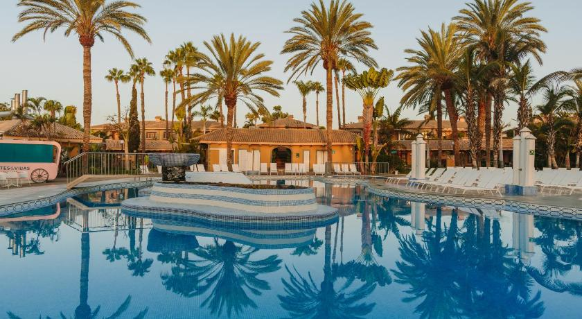 Best time to travel Gran Canaria Suites & Villas by Dunas