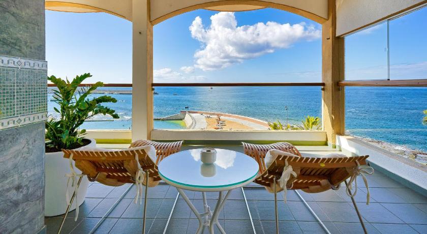 Best time to travel Gran Canaria BULL Dorado Beach & SPA