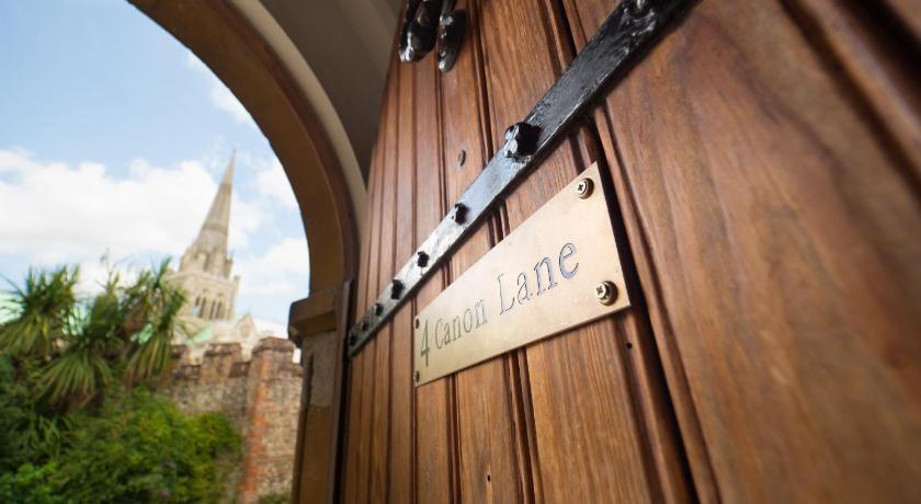 4 Canon Lane Chichester Booking Deals Photos Reviews